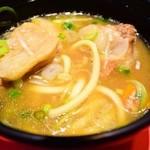 シャングリ・ラ - 沖縄そばの豚汁出汁