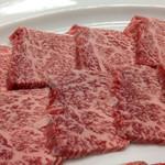 みょうが屋 - 小豆色は旨い肉の証