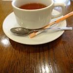 ラ・プルミエプゥッス - 紅茶