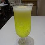 資生堂パーラー - アイスクリームソーダ(レモン):820円
