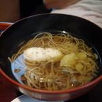 志蕎庵 江月 - 鱧とじゅんさいの温かい蕎麦