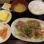 さんぷらざ - 生姜焼き定食(830円)(第三回訪問)