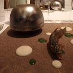 レストラン ラ フィネス - 天竜川の鮎 白いソースはスービーズ、パセリのソース 奥の器にはエスカベッシュ