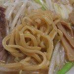 なにわ男麺 大五郎 - 味噌ら~めんの極太麺アップ(2010年5月)
