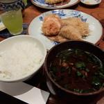 かつ吉 新丸ビル店 - ご飯と赤だし味噌汁(海老カツとヒレカツ定食)