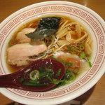 大阪の味らーめん 喜らく - しょうゆラーメン 609円