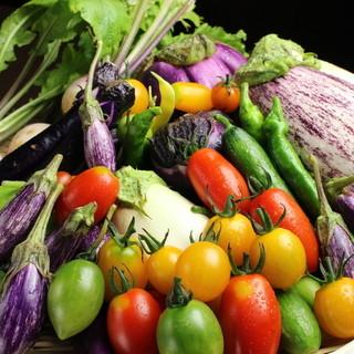 生産者から直送される旬の野菜