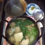 海鮮いづつ - 海鮮いづつ(大分県別府市楠町)                             魚つみれの小鍋500円