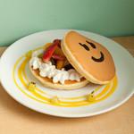 パンケーキデイズ - 夏にはぴったり、フルーツ盛りだくさんの『ビタミンフルーツサンド』