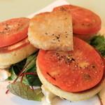マウントフットフォレストカフェ - 料理写真:グリルトマトのパンケーキ