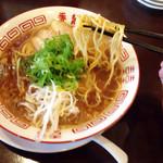 香龍 - 麺リフト 細麺