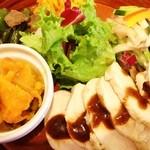 カッフェ トムテ - tomteランチ。この日は南海鶏〜カオマンガイソースなどなど〜