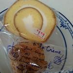 美ら卵養鶏場 - 美ら卵ロールケーキ カット¥260、 シュークリーム¥120