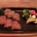 ユウジロウ - 熊野牛熟成肉1580円