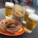 アロハ ナチュラル・ハワイアン・ビアガーデン 吉祥寺パルコ店 - ビールにフライドポテト、チキン
