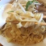麺の蔵 - 麺up きしめんのような幅広麺。