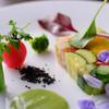 アキヒサ ハンダ - 料理写真:野菜のテリーヌ トマト風味 胡瓜のヴィネグレットソース