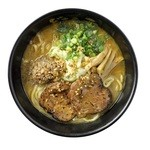 どさん子 - 金練:100%北海道産「生味噌」を使用。味噌本来の味を追求したラーメンは、食べるほどに味噌の芳醇な香りが口の中に広がります。