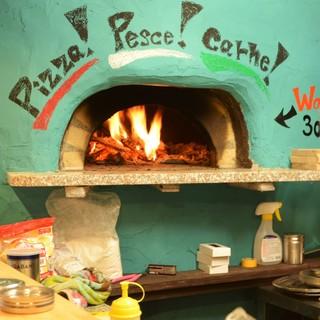 ★石窯で焼き上げる本格ピザ
