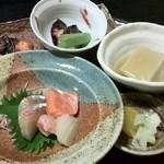 おおにし - 大皿盛日替わり定食 900円