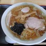 本郷食堂 - 料理写真:ラーメン580円