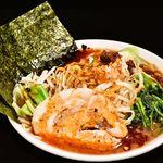 横浜家系 麺屋はやぶさ - 辛にんにく野菜らーめん 820円
