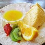喫茶 フォレスト - ケーキセットチーズシフォン +450円 (^^