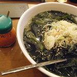 盛岡冷麺 寿々苑 - 左が「別辛」だったかな?