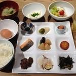 39820187 - ブッフェスタイルの和洋食 2400円(宿泊料に含む)