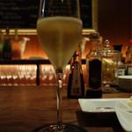 シャンパン&醤油バー フルートフルート - 店主のきまぐれスパークリング 600円