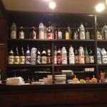 さかえ家 - 店内の雰囲気 焼酎の棚