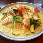 39825222 - 夏野菜と若鶏のカレークリームスパゲティー