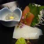 魚菜家 旬蔵 - 旬の刺身三種盛(烏賊、鮪、生しらす)