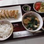 レストラン 美や美 - 餃子定食お飲み物付¥1780
