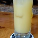 シーサイドカフェガキヤ - ドリンク写真:パインジュース