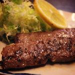 甲斐 - 牛ステーキ串(2本)480円