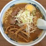 滋味 - 味噌ラーメン¥600