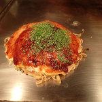 かんちゃんお好み鉄板焼 - お好み焼・肉玉そば(680円)+イカ天(100円)