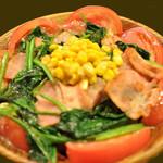 パンコントマテ - ほうれん草とベーコンのサラダ
