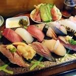 宝来寿司 - 厳選素材のおすしです。