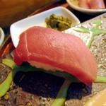 宝来寿司 - 中トロ。