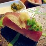 宝来寿司 - かつお。