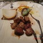 39833028 - オーストラリア牛ステーキと温野菜(玉ねぎ、削りポテト、シイタケなど)の鉄板焼き