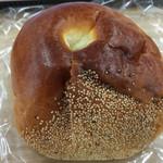 Petit Riche - 栗餡パン