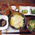 CAFE JI:TA - ランチの限定ご飯(日/5食)とうもろこしご飯¥900