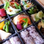 イシノナカ - お野菜たっぷり折詰弁当(要予約)