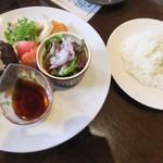 黒毛和牛とお好み焼き 鉄板家Act - 特製ハンバーグ定食(1,280円)