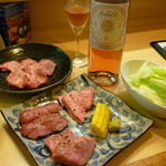 にく楽家 鐵牛 - 上タン、ロゼボトル、きき肉(ロース、ネクタイ、ひうち)15.6