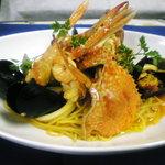パーネ・エ・トラットリア リピエーニ - 海の幸のスパゲッティサフラン風味