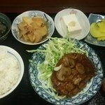 はつ - ハンバーグ定食